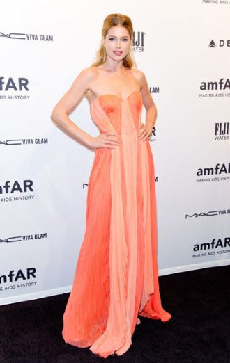 amFar Black Carpet 2013 (18)